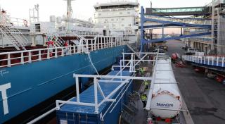 First-ever bunkering of Liquefied biogas in Sweden at the Port of Gothenburg