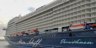 Kiel welcomes the TUI Cruises newbuilding