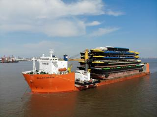 Black Marlin arrives with 18 hulls for Concordia Damen in Werkendam