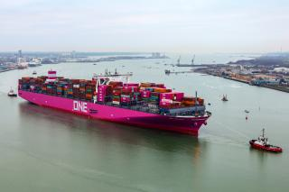 ONE Columba makes her maiden call at Port of Southampton