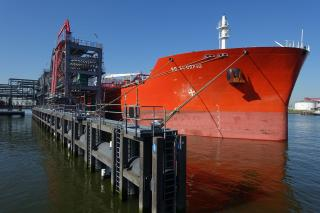 Brand-new jetty at Rotterdam LBC Tank Terminals ready for vessels