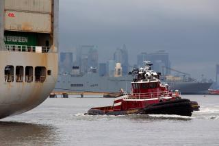 Powerful McAllister tug propelled by SCHOTTEL