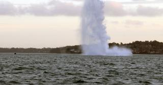 UK Royal Navy destroys German bomb found in Portsmouth Harbour (Video)