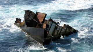 New footage shows the Rena wreck moved by Cyclone Pam