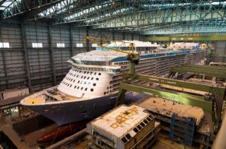 The Spectrum of the Seas leaves the Meyer Werft's dock