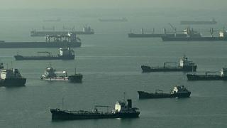 Several Tankers Park off Singapore Coast Ahead of Expected Oil Price Rise