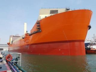 FSO Ailsa's hull touches water for the first time