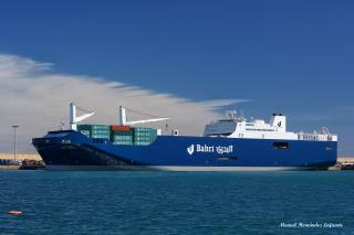 Heavy RoRo and Container Freight Service Opens Gateway from UK to Middle East