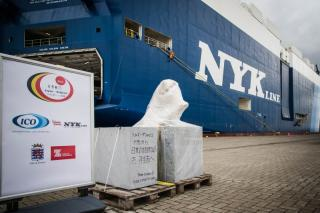 Symbol for 150 years of friendship between Japan and Belgium shipped from Zeebrugge