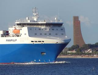 DFDS concentrates Russia services on St. Petersburg