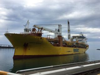 Reclaimer heads to Hay Point (Queensland, Australia)