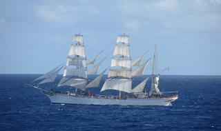 Statsraad Lehmkuhl - The tall ship that harnesses the wind to recharge its batteries