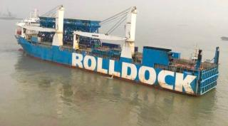 Heavy-load carrier Rolldock Sun to deliver hoppers to West Africa