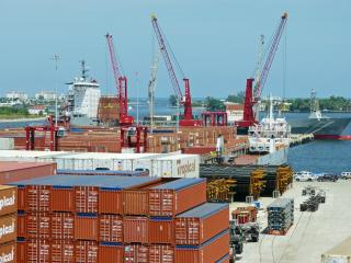 Port of Palm Beach Signs 10-Year Contract with Tropical Shipping