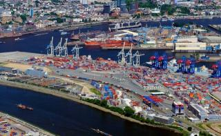 Box volume at Port of Hamburg down 9,3% in 2015