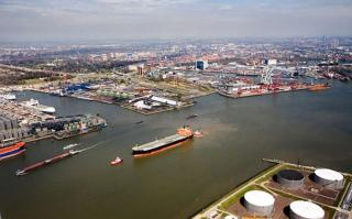 Port of Rotterdam's total throughput in Q1 virtually the same as last year