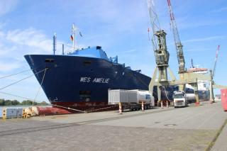 LNG retrofitted containership Wes Amelie launched, initial bunkering completed