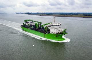 New generation trailing suction hopper dredger 'Bonny River' joins the fleet and heads straight to work