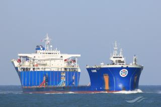 Heavy Load Carrier Hawk arrives off Lewis to take the damaged oil rig Transocean Winner