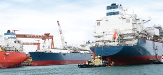 Höegh LNG executes 15 months time charter with Naturgy for FSRU #9