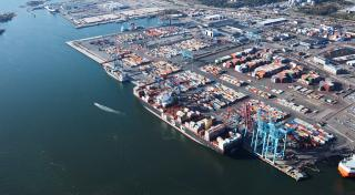 Port of Gothenburg: Port dispute leads to unprecedented fall in container volumes