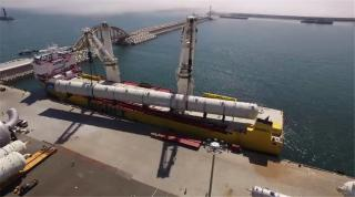 VIDEO: Happy Sky transports 30,000 freight tons petrochemical equipment in one voyage