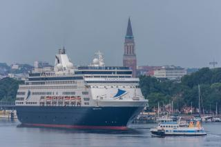 MS VASCO DA GAMA welcomed at Ostseekai for maiden call