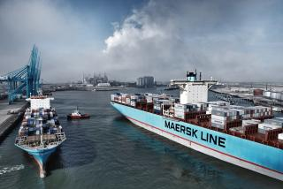 Maersk Line and Hamburg Süd sale and purchase agreement approved