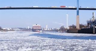 VIDEO: Icebreakers in the Port of Hamburg