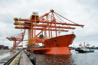 Philippines receives its largest port equipment; ICTSI to boost flagship operation with new cranes