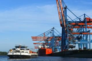 First Hamburg call by new express inland waterway ship 'Hanse'