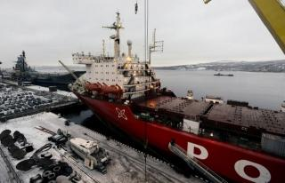 Loading of Nuclear-powered LASH ship Sevmorput commenced at Murmansk Commercial Seaport, Russia