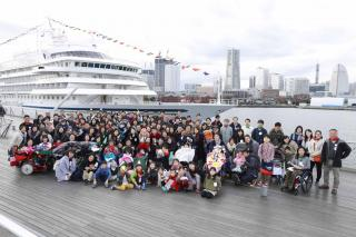 NYK Welcomes Families From Hope&Wish Aboard Christmas-Decorated Asuka II