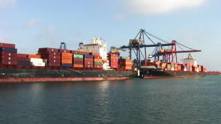 Valencia port ready to welcome 20,000TEU container ships