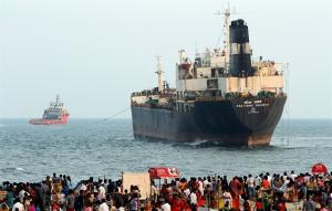 Finally: The Aground Tanker ship is Towed away from Pattinapakkam coast