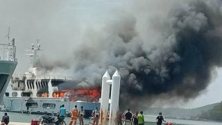 Big Fire Causes Major Damage To a 55-metre Super Yacht in Phuket (Video)