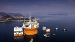 Dockwise Vanguard - all set to carry out transport operation of enormous Goliat