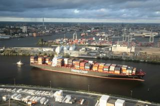 Hapag-Lloyd with positive operating result in a challenging environment