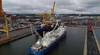 Nauticor and Unifeeder conduct first SIMOPS LNG bunker operation