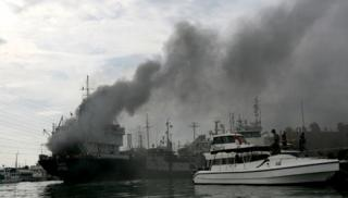 Cement carrier Divine Success Catches Fire at Tanjung Priok Seaport, North Jakarta (Video)