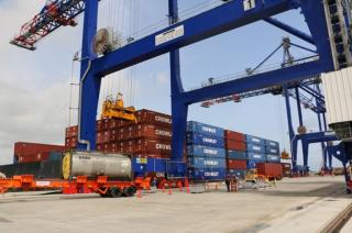 Crowley initiates cargo operations in Puerto Rico using new container cranes and pier