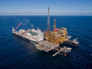 Pioneering Spirit sets world lifting record with Shell Brent Delta topsides removal (Video)