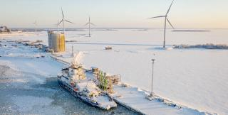 The world's first LNG-fueled icebreaker Polaris bunkered in Pori and Tornio, Finland