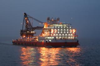 Chevron charters Solstad derrick lay barge in Thailand