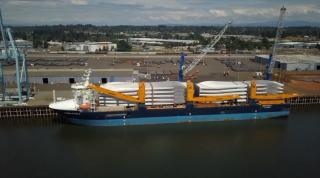 Port of Vancouver USA received largest single shipment of wind turbine blades in Vestas history (Video)