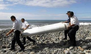 MH370 Update: Malaysia confirms - Reunion debris belongs to the plane