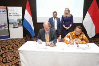 Rotterdam Port Authority enters into joint venture agreement for construction of port in Indonesia