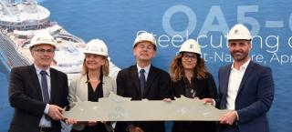 First steel cutting ceremony of the new Oasis-class ship for RCL