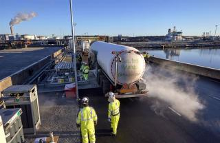 New agreement between Swedegas and FordonsGas – liquefied biogas brings further climate benefits to Gothenburg shipping