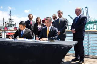 Port of Los Angeles and Long Beach announce zero emission goals for San Pedro Bay ports (Video)